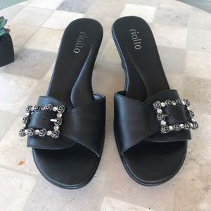 Rialto Shoes - 🦋Rialto Slides Mules Black Leather w Bling !